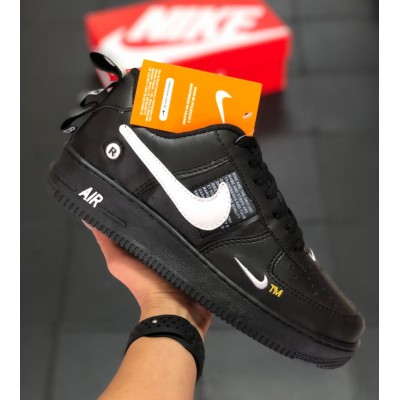 Tênis Nike Air Force 1 Preto-Branco