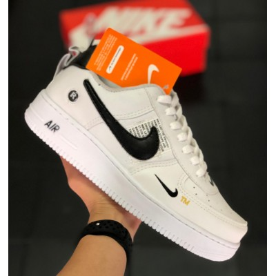 Tênis Nike Air Force 1 Branco-Preto